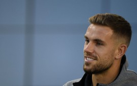 Soal UEFA Nations League, Henderson Beda Pendapat dengan Klopp
