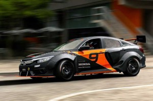 Kerennya Honda Civic Hybrid Rallycross Karya Mahasiswa