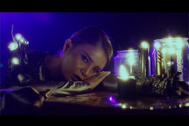 Rossa dalam video musik Firefly (Foto: YouTube Trinity Optima