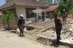 Pendistribusian Bantuan Logistik Terkendala Alat Angkut