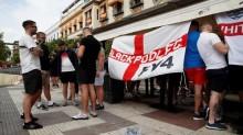 FA Kutuk Tindakan Anarkis Suporter Inggris di Sevilla