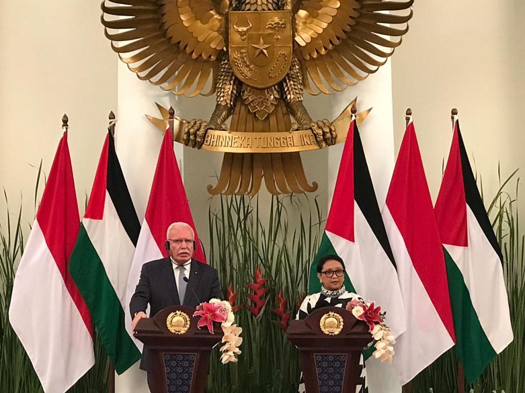Menteri Luar Negeri Retno Marsudi (kanan) dan Menteri Luar Negeri Palestina Riyad Al Maliki (kiri). (Foto: Medcom.id/Fajar Nugraha).