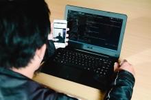 Orang Indonesia Minimal Pakai Empat Medsos di Ponsel