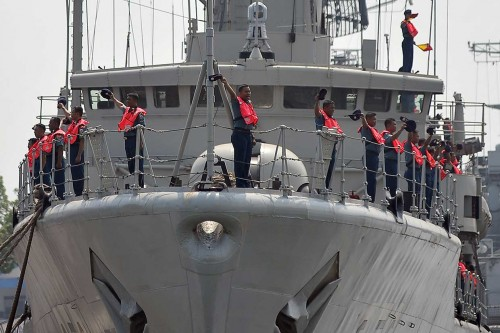 Panglima Koarmada II Inspeksi Kapal Perang