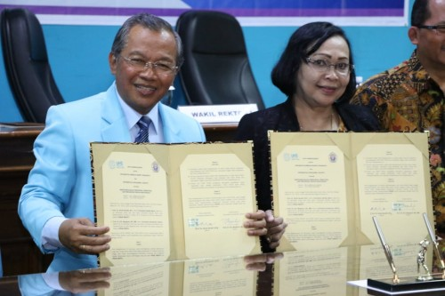 Rektor Universitas Sebelas Maret (UNS) Surakarta, Ravik Karsidi,