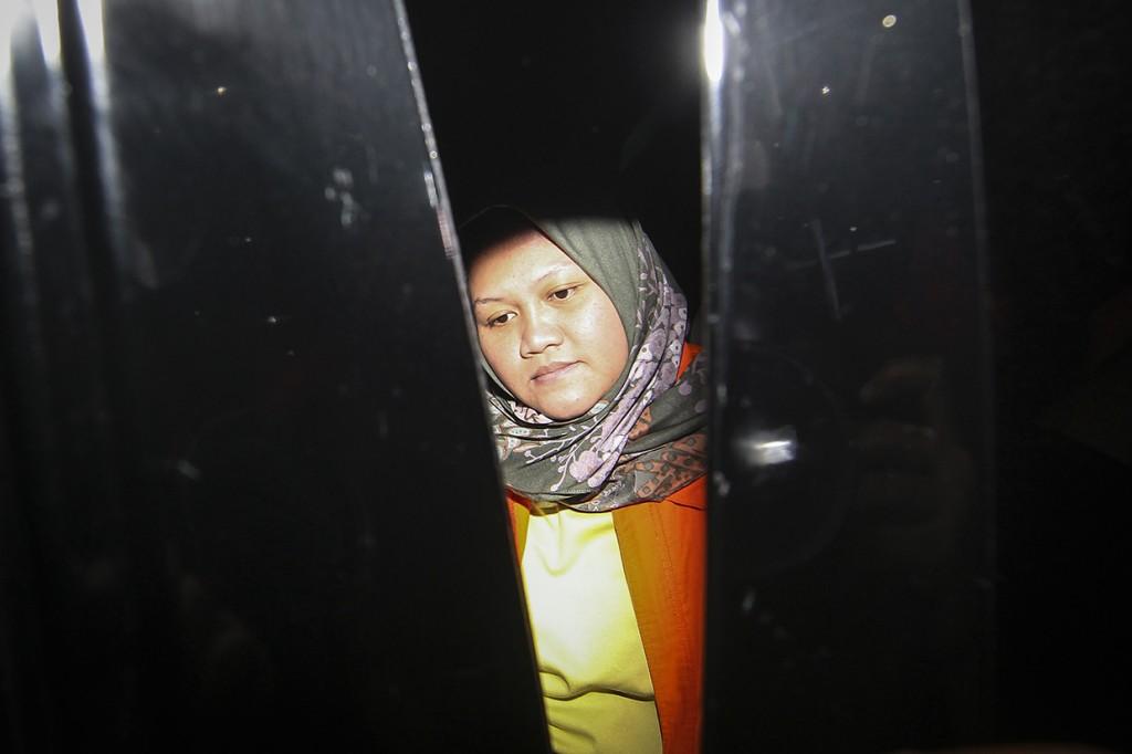 Bupati Bekasi Neneng Hasanah Resmi Ditahan KPK
