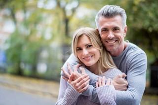 Sering Menggunakan Kata 'Kita' Pertanda Hubungan Romansa Bahagia