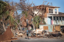 Badai Michael Obrak-abrik AS, Tewaskan 30 Orang