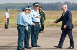 Mattis Kunjungi Bekas Situs Terkontaminasi di Vietnam