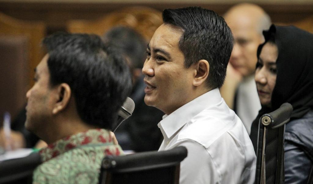 Mantan anggota DPR Fayakhun Andriadi (tengah) menjadi saksi dalam sidang lanjutan kasus korupsi KTP elektronik Irvanto Hendra Pambudi Cahyo di Pengadilan Tipikor, Jakarta. Foto: MI/Pius Erlangga.