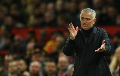 Tekanan untuk Mourinho Belum usai