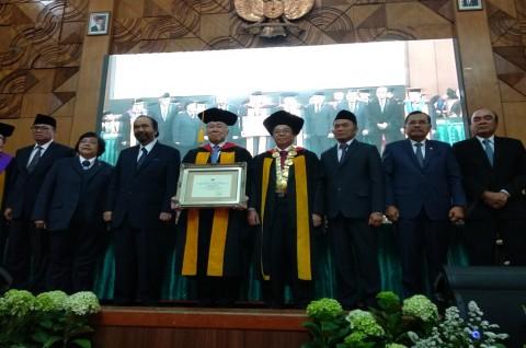 Menteri Perdagangan Diberi Gelar Doctor Honoris Causa