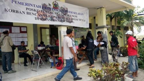 Posko pengungsian korban bencana gempa Palu di Makassar