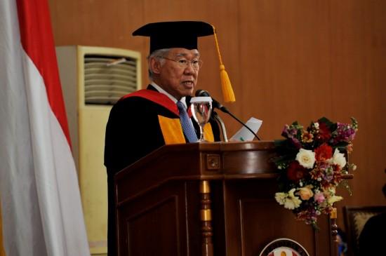 Mendag Terima Gelar Doktor Kehormatan Bidang Kewirausahaan dari UPI