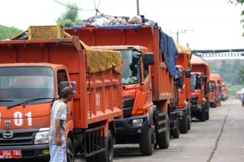 Pemkot Bekasi bakal Atur Jam Operasional Truk Sampah DKI