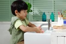 Lima Kebiasaan Bersih yang Wajib Diajarkan pada Anak