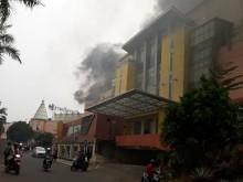 Mall Ciledug Terbakar, Pengunjung Panik