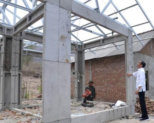Presiden Joko Widodo saat meninjau pembangunan RISHA. Foto: Biro Pers Setpres