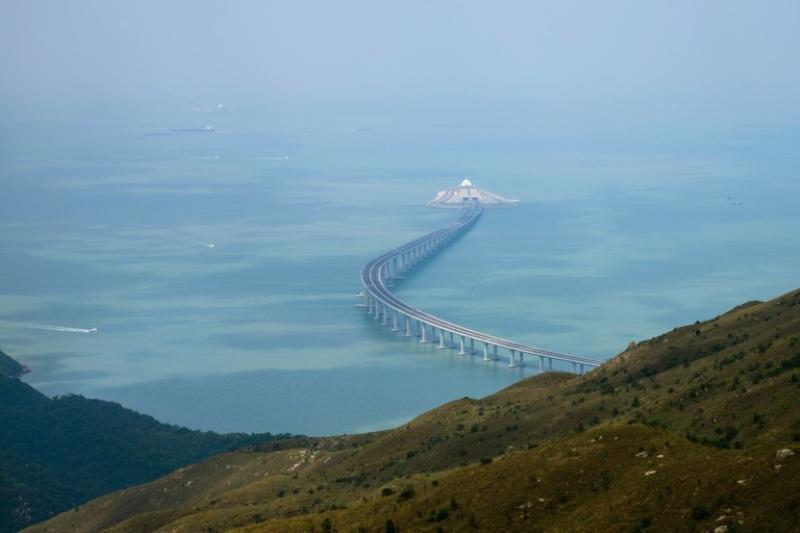 Jembatan HKMZB yang menghubungan Hong Kong, Makau dengan Zhuhai. (Foto: AFP).