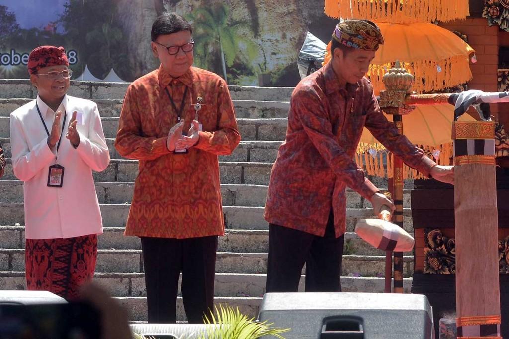 Jokowi Minta Pemda Tinggalkan Sistem Manual