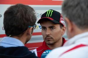 Lorenzo Resmi Mundur dari MotoGP Jepang
