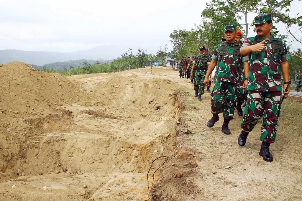 Panglima TNI-Kapolri Tinjau Wilayah Terdampak Gempa Palu