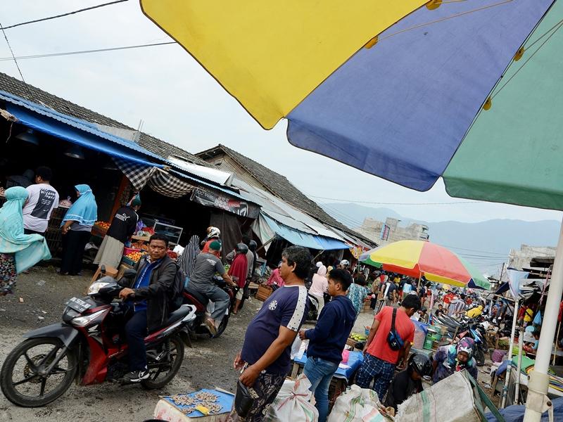 Aktivitas jual beli di Pasar Masomba, Palu, Sulawesi Tengah, mulai pulih sejak Rabu, 10 Oktober 2018. MI/Susanto