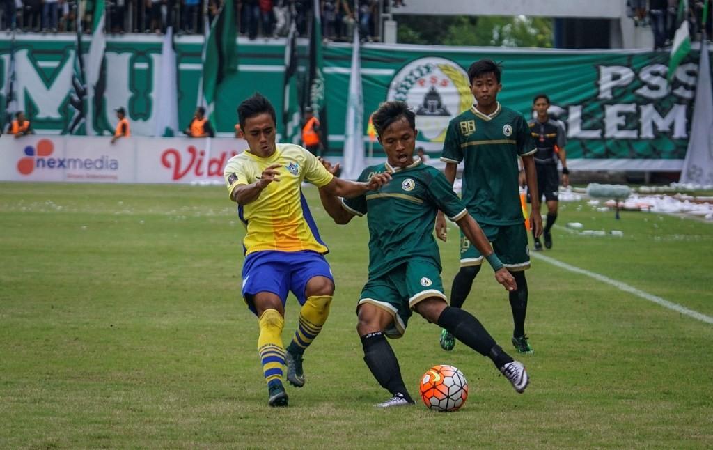 PSS Sleman saat menghadapi Gresik United musim lalu (Foto: Antara/Hendra Nurdiyansyah)