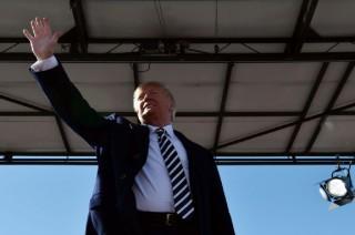 Trump akan Mundur dari Perjanjian Nuklir Rusia