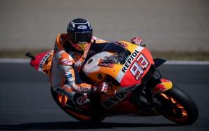 Dovizioso Tergelincir, Marquez Juara MotoGP 2018
