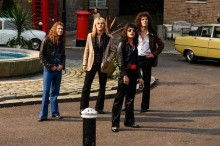 21 Lagu Queen Jadi Soundtrack Film Biopik Freddie Mercury