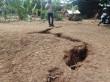Sebidang Tanah di Cimanggis Depok Mengalami Keretakan