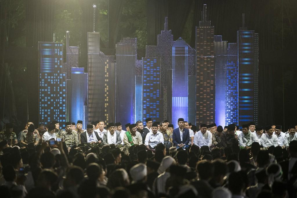 Presiden Hadiri Malam Puncak Hari Santri Nasional di Bandung