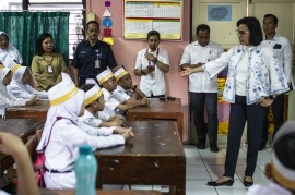 Saat Sri Mulyani Mengajar Siswa SD Soal Pajak