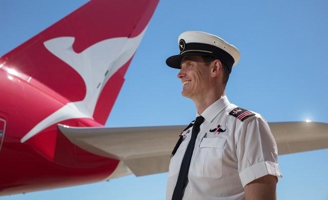 Qantas mengumumkan kemitraan yang baru terbentuk antara FlyPink, kampanye tahunan Qantas untuk meningkatkan kesadaran atas kanker payudara dengan Movember Foundation. (Foto: Dok. Maverick Indonesia)