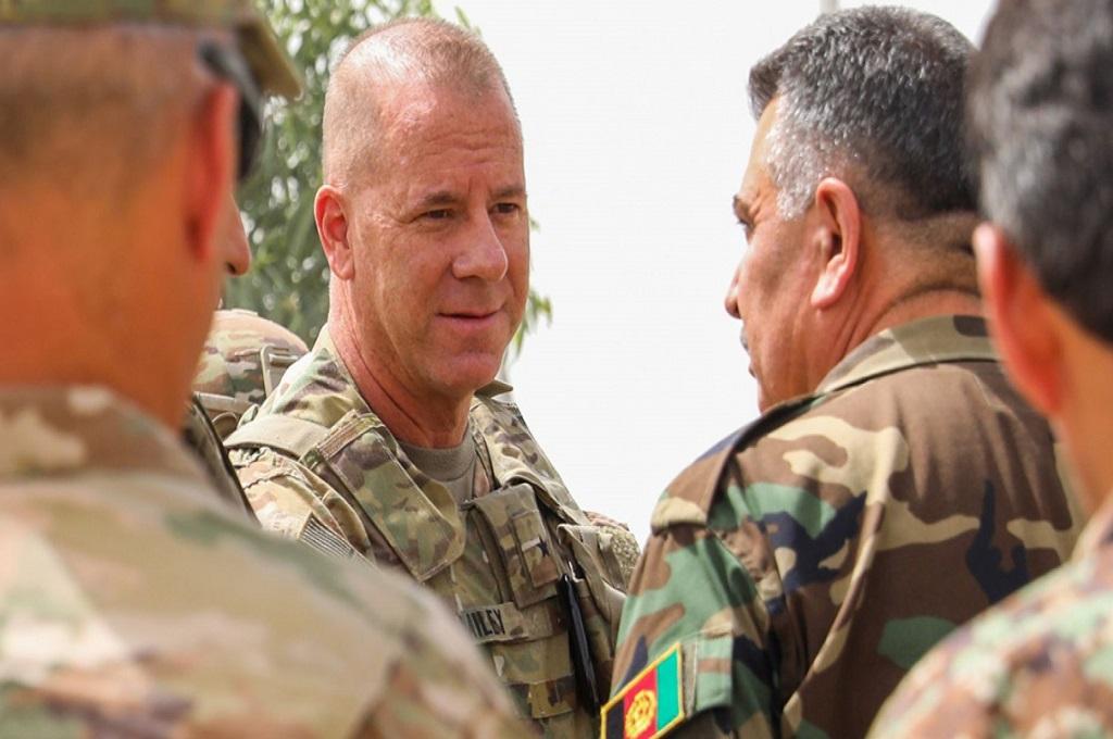 Brigjen Jeffrey Smiley (tengah). (Foto: U.S. Army photo by Staff Sgt. Neysa Canfield)