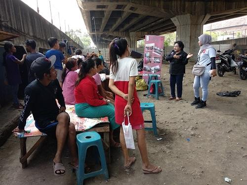 LSM Layak saat melakukan penyuluhan terkait HIV/AIDS (Foto: Sri Yanti Nainggolan)