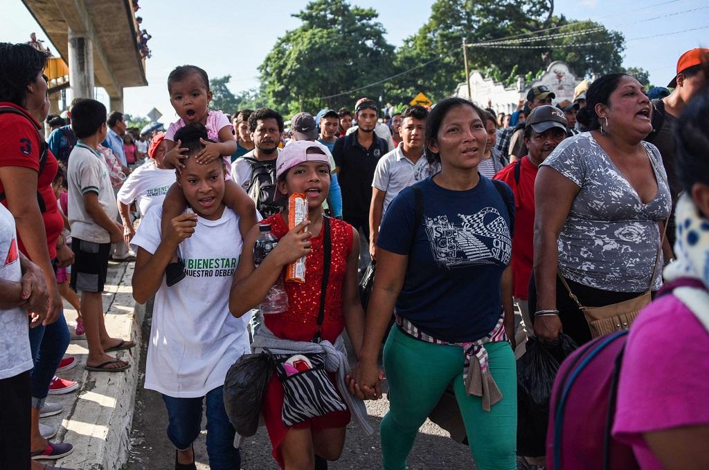 Ribuan imigran Honduras berada di Chiapas, Meksiko, 21 Oktober 2018. (Foto: AFP/JOHAN ORDONEZ)