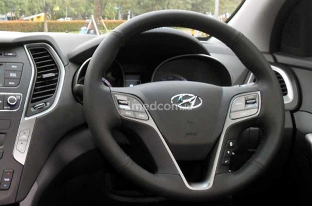 Hyundai Santa Fe salah satu yang menawarkan cruise control. Medcom.id/M. Bagus Rachmanto