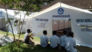 KPAI:  Pembagian Tenda Sekolah Darurat Diskriminatif