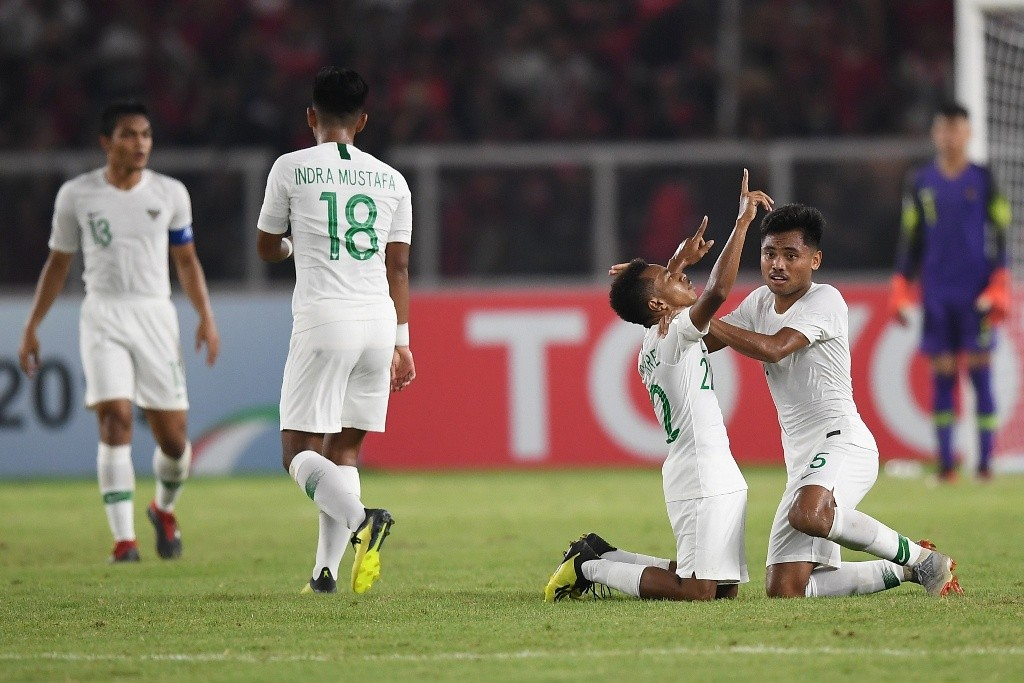 Pemain timnas Indonesia U-19 merayakan gol Todd Rivaldo Ferre ke gawang Qatar (Antara/Wahyu Putro A.)