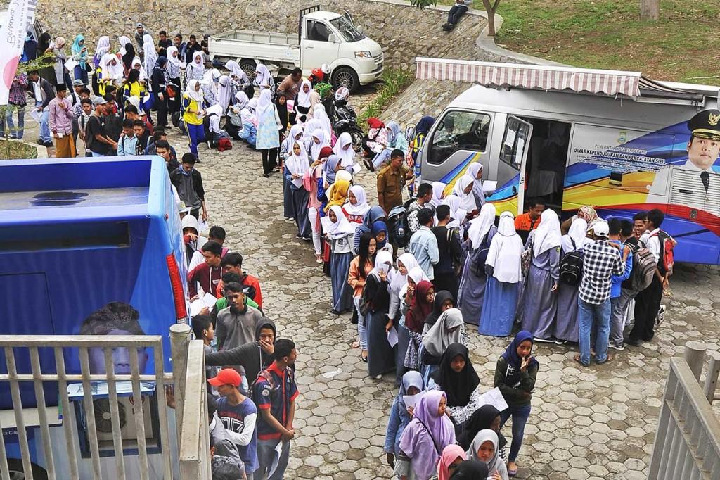 Pemilih Pemula Banten Dapat Layanan Cepat Pembuatan KTP-El