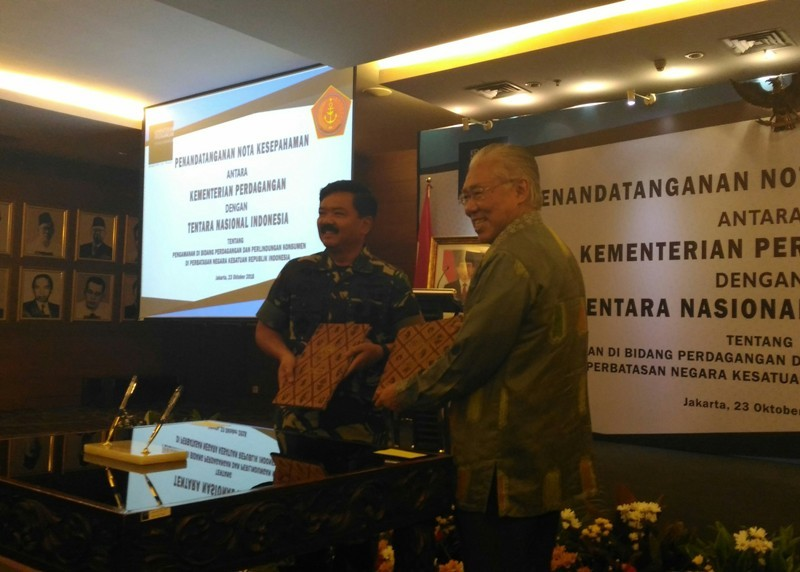 Panglima TNI Marsekal Hadi Tjahjanto beserta jajarannya menemui Menteri Perdagangan Enggartiasto Lukita. Medcom/Ilham Wibowo.