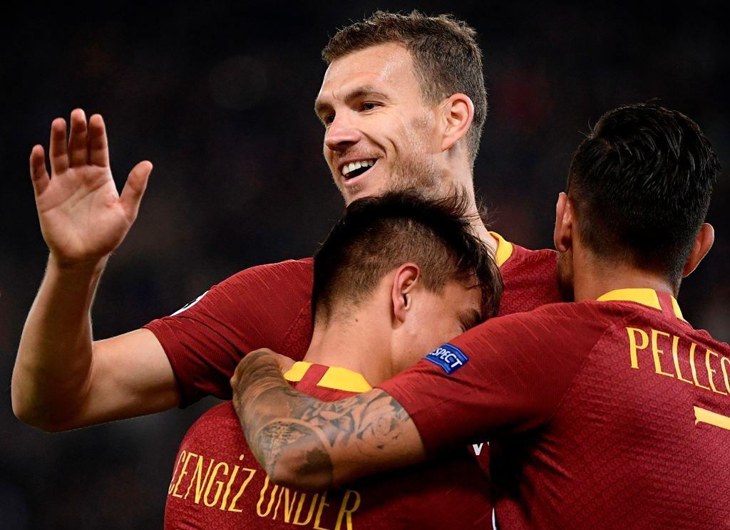 Selebrasi gol Edin Dzeko. (Filippo MONTEFORTE / AFP)