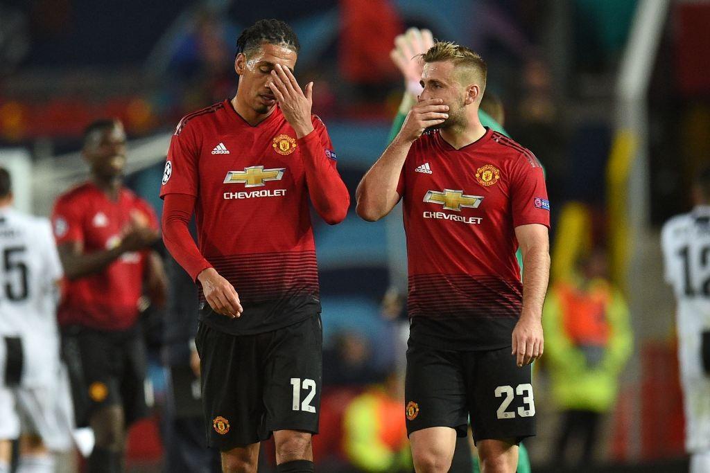 Ekspresi kekecewaan dua penggawa Manchester United setelah ditaklukkan Juventus. (Oli SCARFF / AFP)