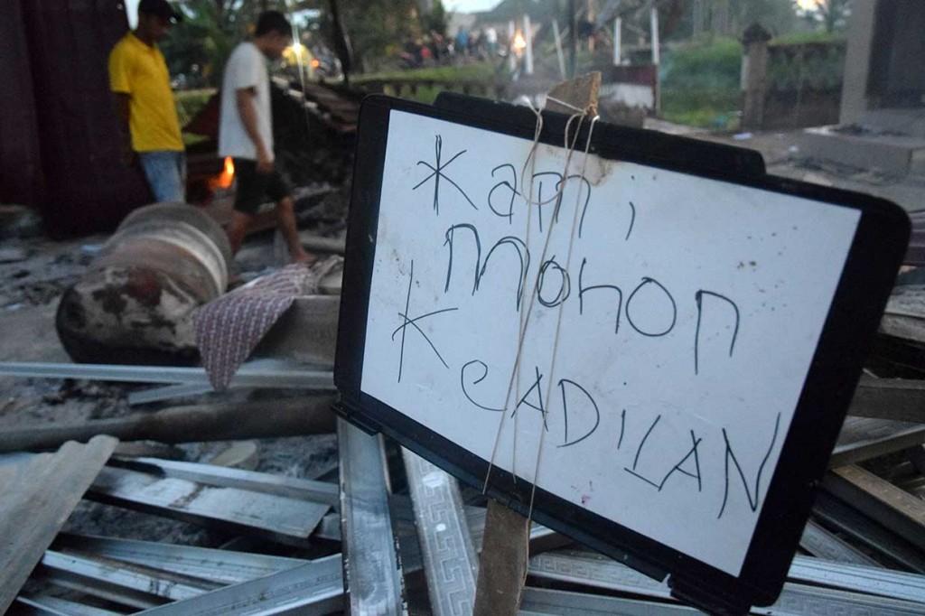 Kantor Polsek Bendahara Aceh Tamiang Dibakar Massa