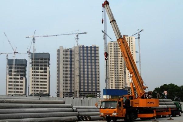 Kegiatan pembangunan beberapa tower apartemen Meikarta di Karawang, Kab. Bekasi. tetap berlangsung. Antara Foto/Risku Andrianto