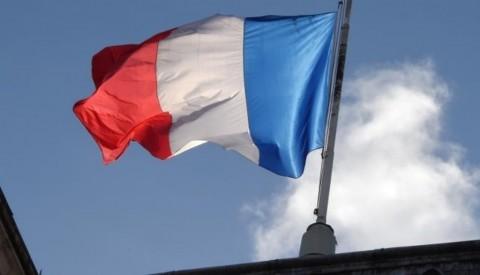 Uni Eropa Peringatkan Anggaran Prancis