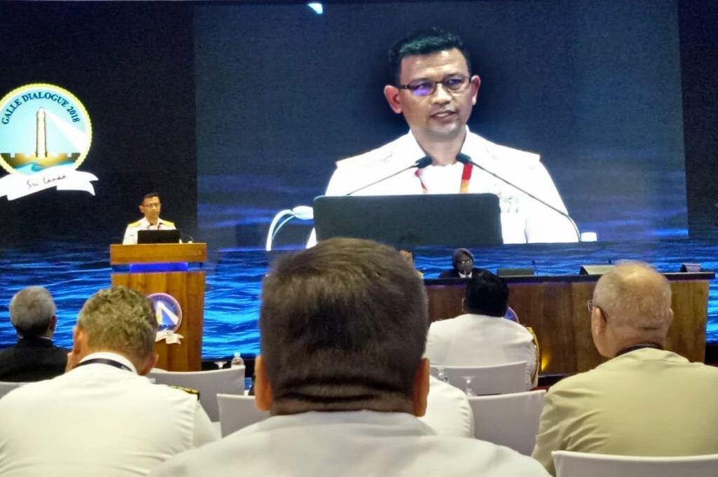 Komandan Seskoal Laksamana Muda Amarulla Octavian saat menjadi pembicara di pertemuan internasional di Sri Lanka. Foto: Istimewa