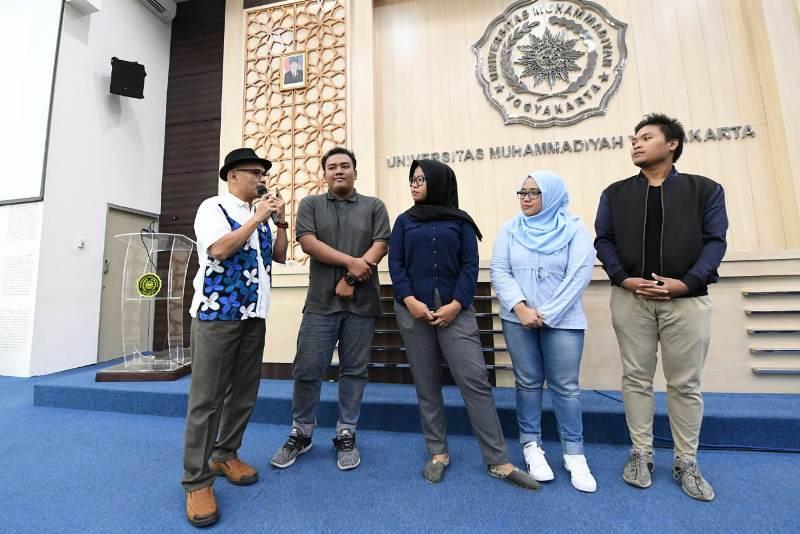 Direktur Jenderal Asia-Pasifik dan Afrika (Aspasaf) Kemenlu Desra Percaya dalam kuliah umum di UMY. (Foto: Dok.Kemenlu RI).